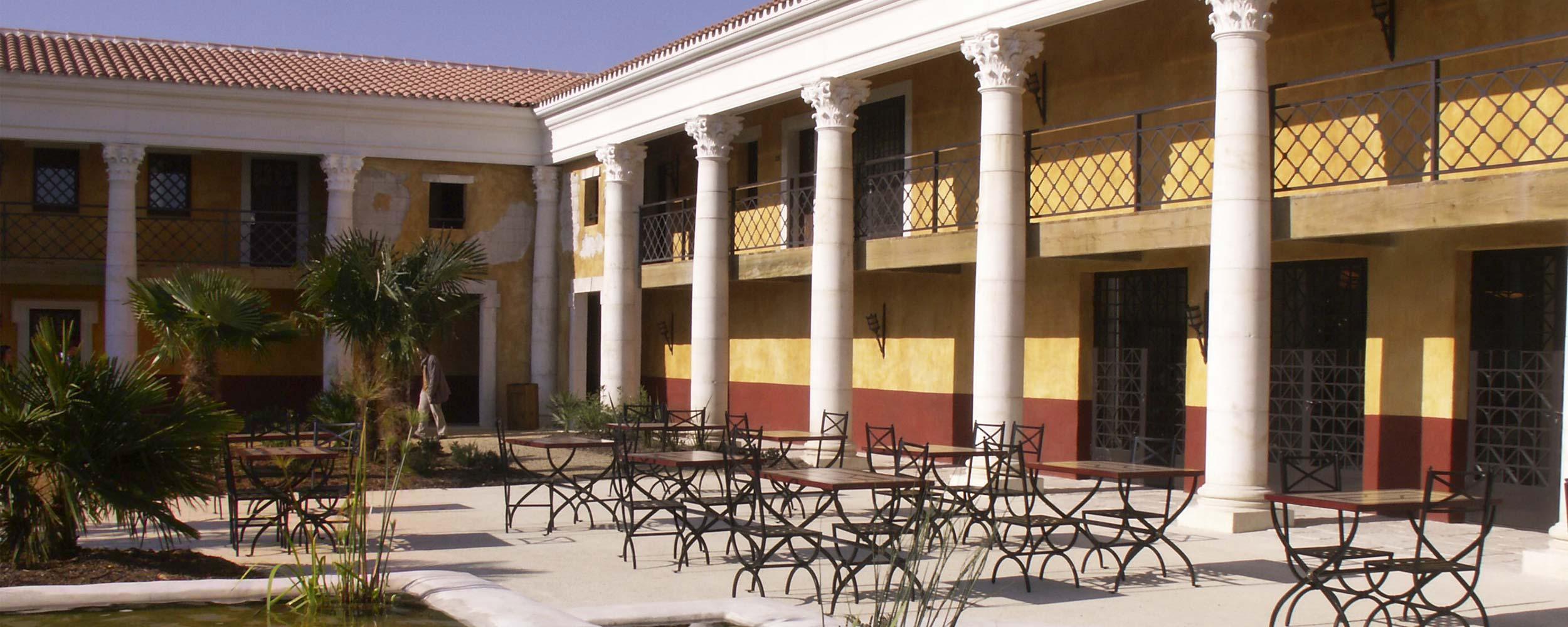 6 k puy du fou villa gallo tourisme b timents - Hotel villa gallo romaine ...
